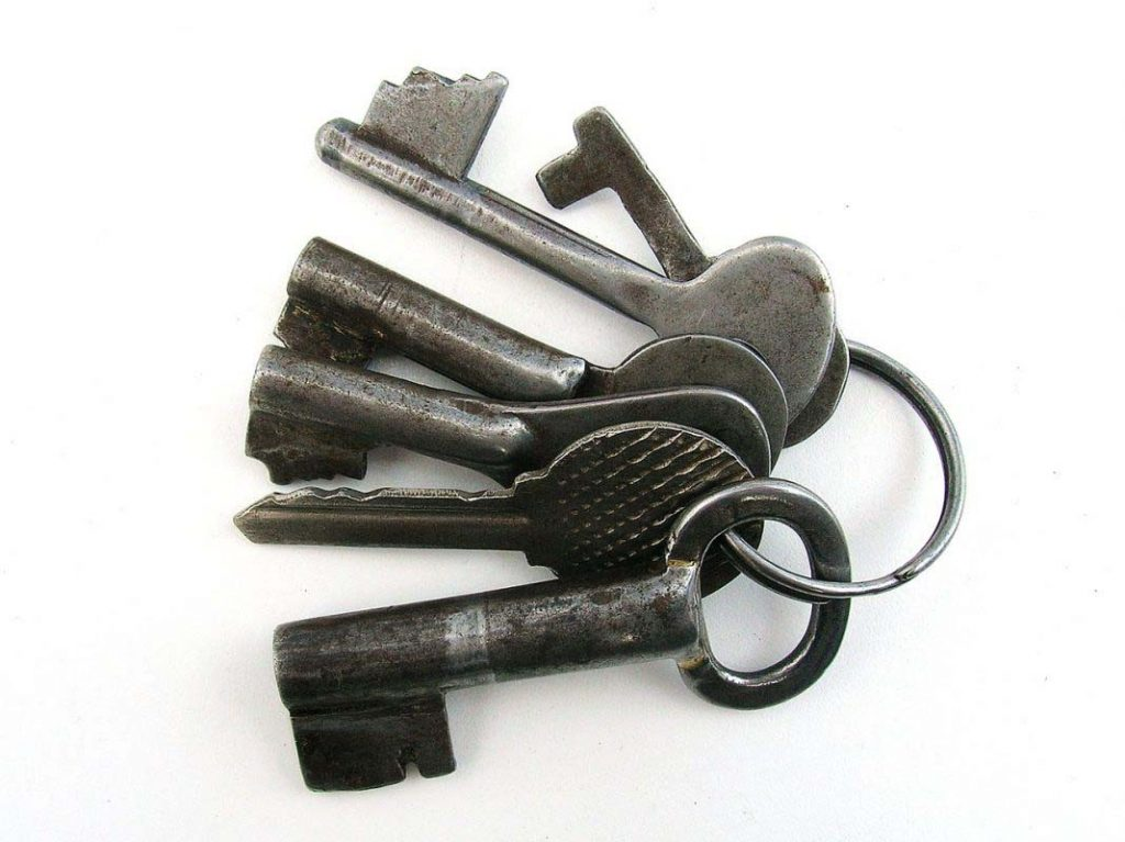 keys-689392_1280