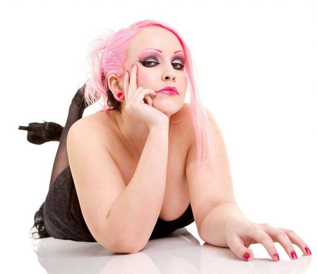 pink-hair-855658_1280