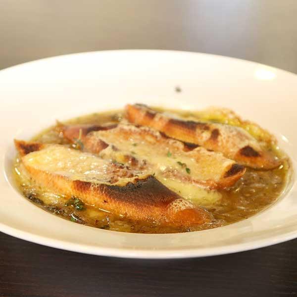 francúzska cibuľová polievka