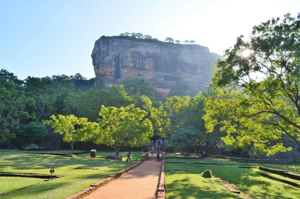Levia skala v Sigiriy.